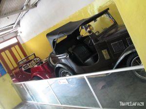 Ada mobil klasiknya juga