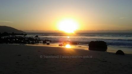 Pantai Kasih, photo by travellers.web.id