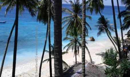 Pantai Sumur Tiga, photo by travellers.web.id