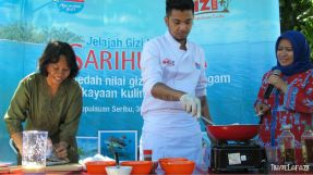 Demo masak oleh Chef Opik