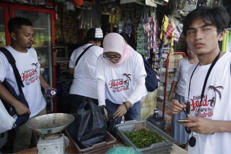 Belanja bumbu. Photo by @nutrisi_bangsa