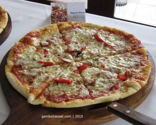 Pizza terhancur yang pernah saya buat :-P