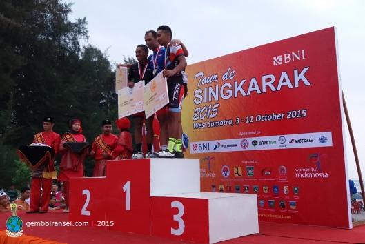 Juara etape pertama Tour de Singkarak 2015