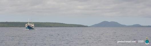 Siluet Pulau Satonda yang disebut mirip payuda**