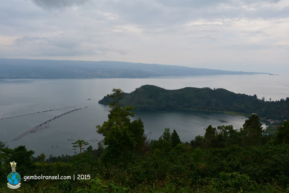 Danau Toba dengan Tanjung Unta-nya