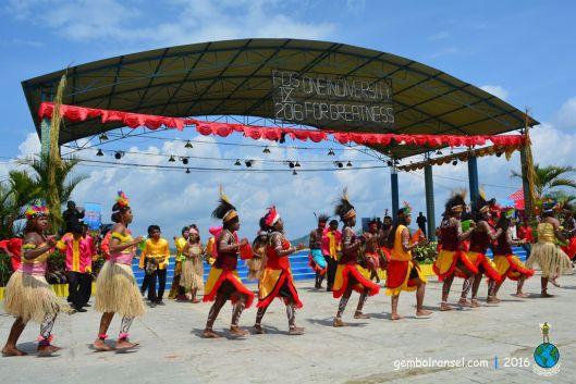 Parade budaya dari 35 paguyuban nusantara